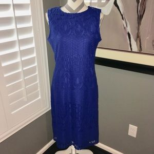 Look beautiful in this blue sleeveless dress!